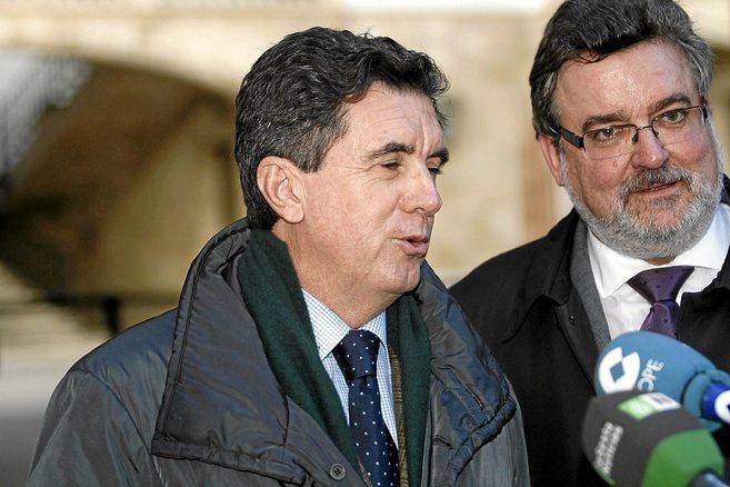 El ex president balear a su salida de la Audiencia Provincial de Palma...