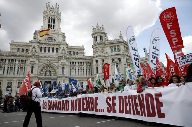 Participantes en una manifestación contra la  privatización de los...