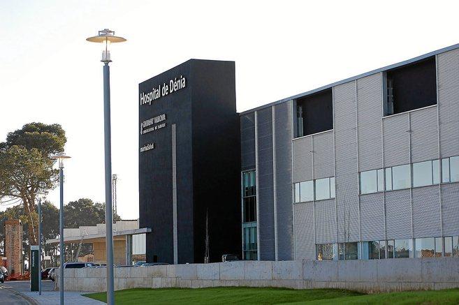 Fachada del Hospital de Dénia, gestionado por la adjudicataria Marina...