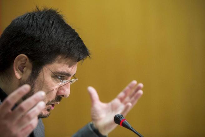 El diputado de Esquerra Unida, Ignacio Blanco, durante una rueda de...
