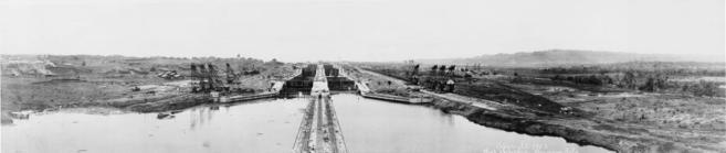 Panorámica de la construcción del Canal de Panamá en 1913.