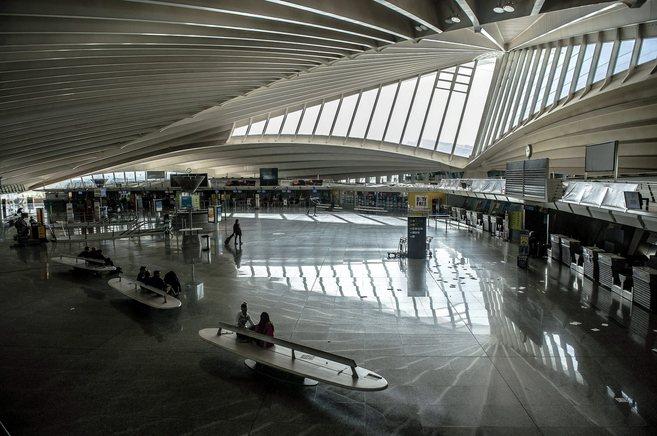 Interior del aeropuerto de Bilbao.