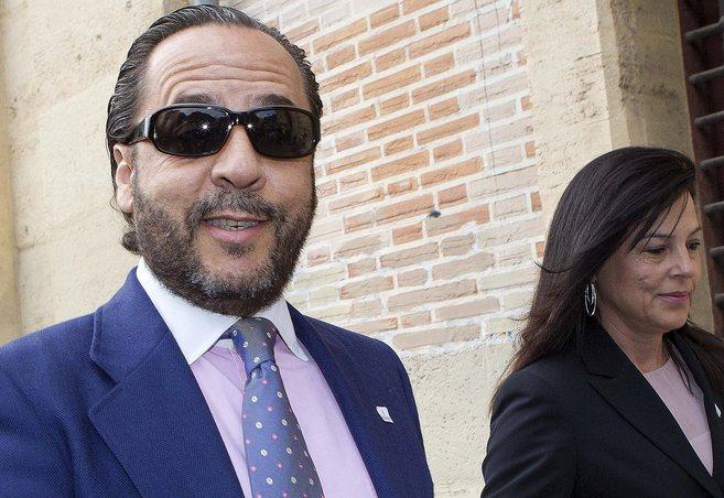 Álvaro Pérez, 'el bigotes', a las puertas del TSJ de la...