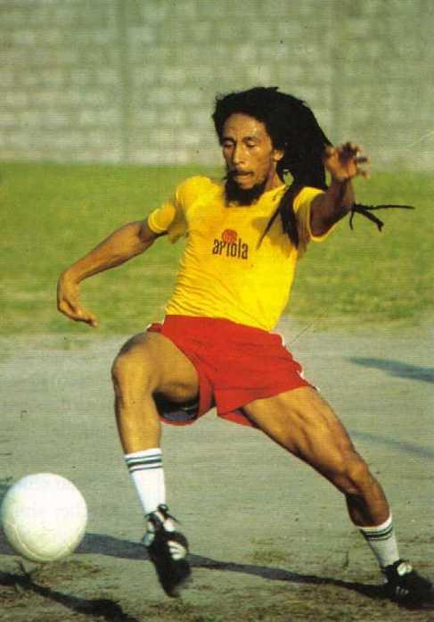 Bob Marley, durante un partido de fútbol.