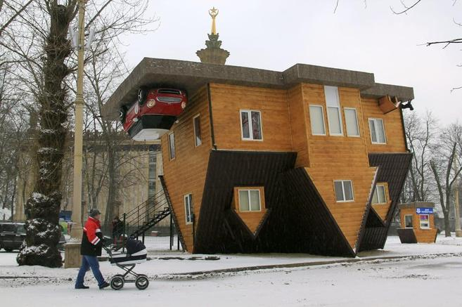 La casa 'del revés' de Rusia, creada por el empresario...