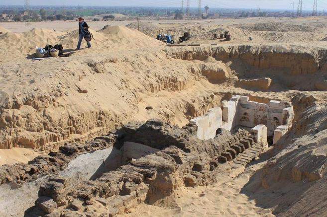 Excavaciones de la necrópolis de Abydos donde ha sido encontrada la...