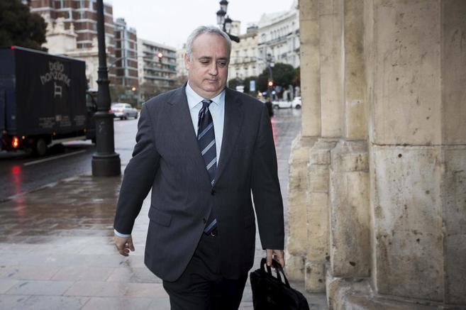 El ex subsecretario de Cooperación Alexandre Català, a su llegada al...
