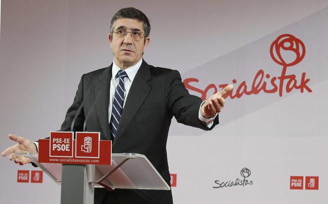El secretario general de los socialistas vascos, Patxi López, hoy en...