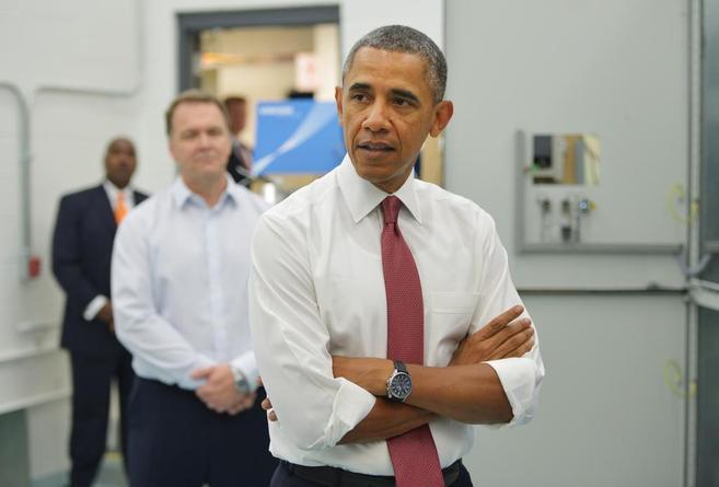 El presidente Barack Obama habla con la prensa en Durham, Carolina del...