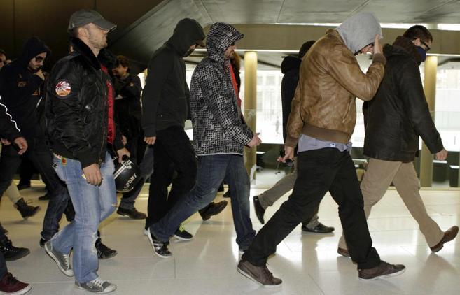 Los mossos imputados por la muerte de un hombre en el Raval, al ir a...