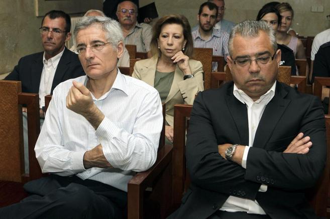 Bartomeu Vicens y Miguel Ángel Flaquer (en primera fila) y Miquel...