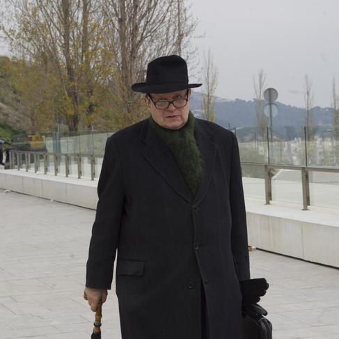 Pere Gimferrer, llegando al velatorio de Josep Maria Castellet.