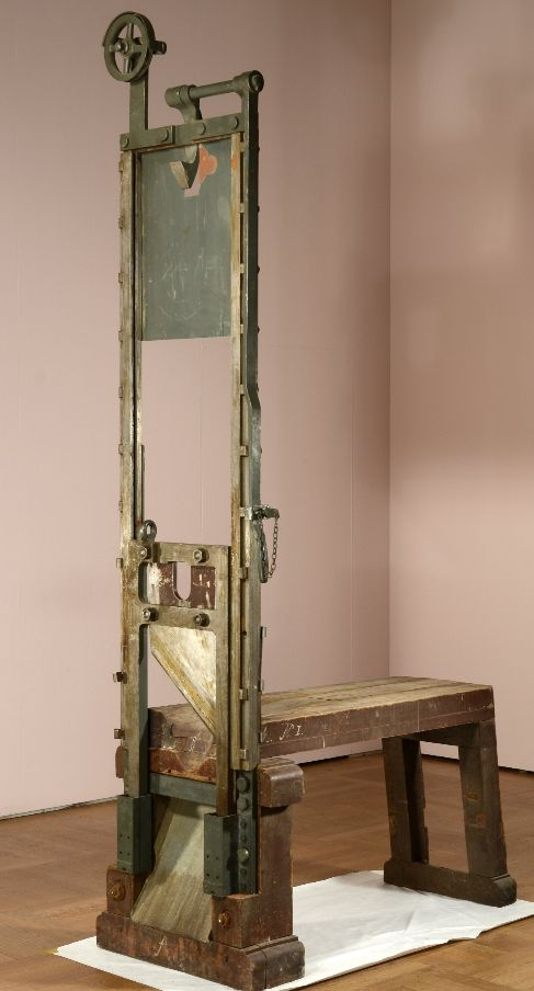 La guillotina de Stadelheim cortó 1.035 cabezas