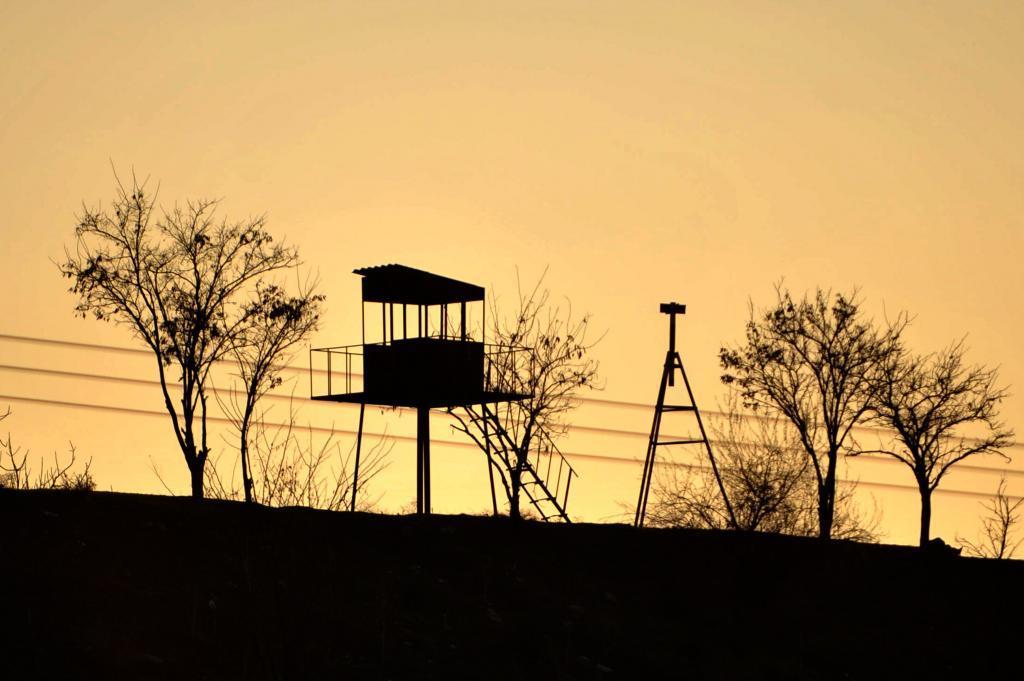 Puesto de vigilancia vacío en la frontera entre Siria y Turquía.
