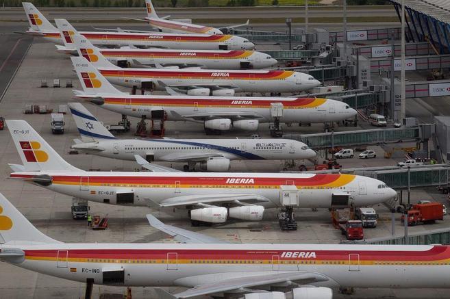Aviones de Iberia en la Terminal 4 del aeropuerto de Madrid Barajas.