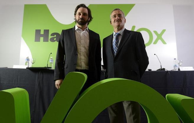 José Antonio Ortega Lara y Santiago Abascal en la presentación de...