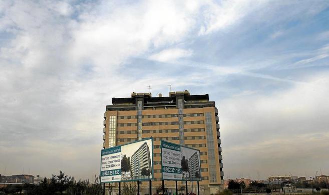 Imagen de archivo de un edificio de pisos en venta en Valencia.