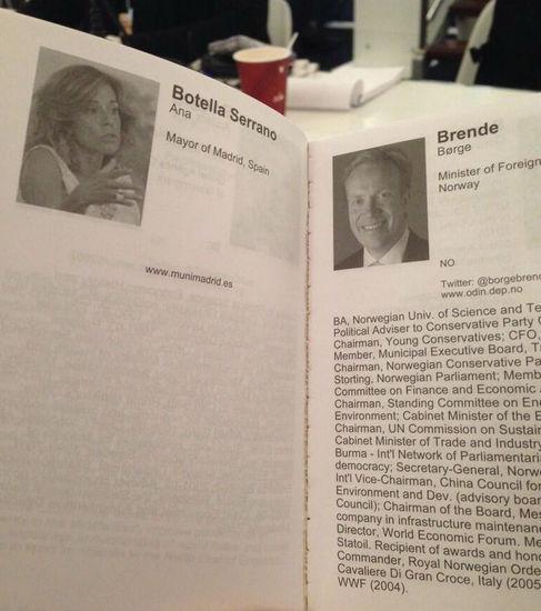 Folleto de participantes en el foro de Davos. @agvicente