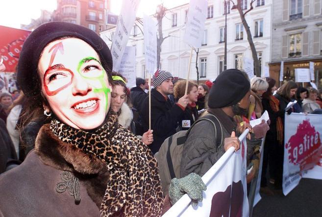 Manifestación de mujeres parisinas en favor del aborto