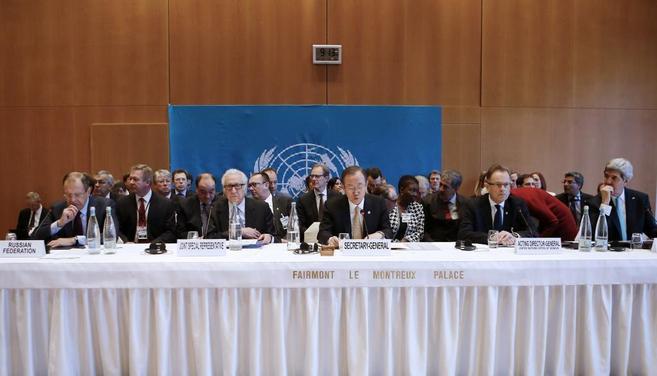 Los integrantes de la mesa de negociación de Montreux.