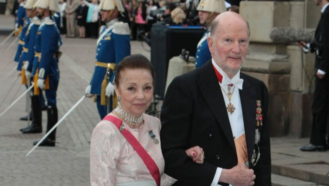 El Rey Simeón junto a su esposa, Margarita Gómez Acebo.
