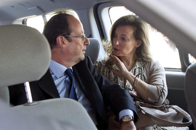 François Hollande y su pareja, Valérie Trierweiler.