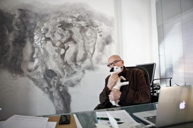 El fundador de TF Editores, Titto Ferreira, en su despacho.