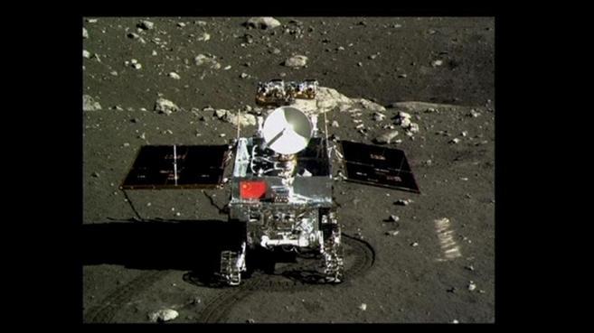 El vehículo robótico 'Yutu' tras su llegada a la Luna en...