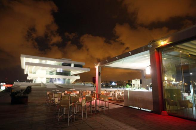 Una de las terrazas de la Marina que abren por la noche a espaldas del...