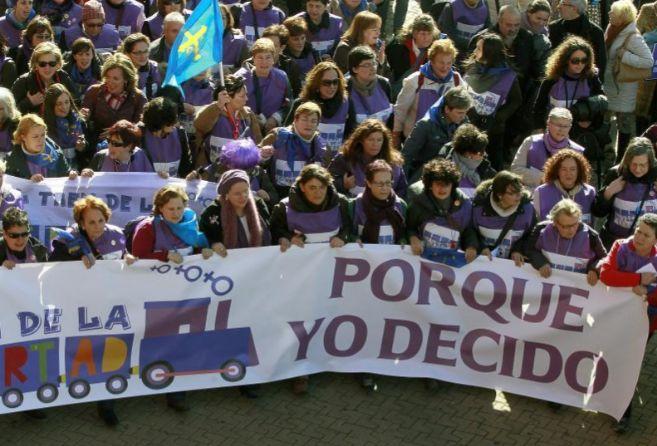 Cabecera de la manifestación contra la reforma del aborto en Madrid.
