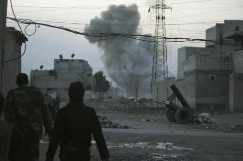 Imagen de los bombardeos de Alepo el sábado.