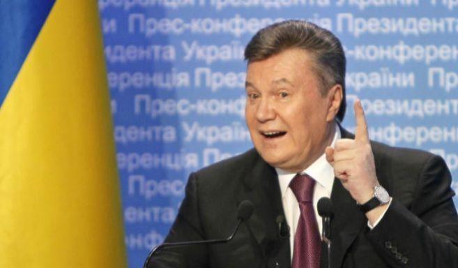 El presidente de Ucrania, Viktor Yanukovich, en una pasada rueda de...
