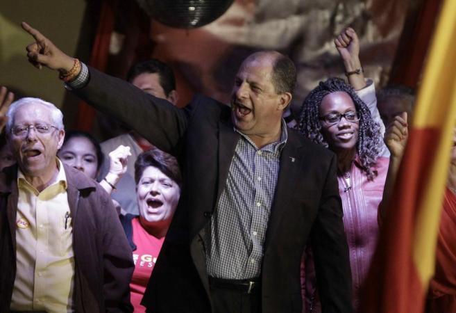 El candidato del Partido Acción Ciudadana (PAC), Luis Guillerm...
