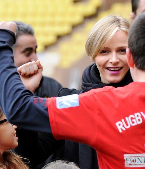 Charlene se quedó en Mónaco y asistió a un campeonato de rugby.