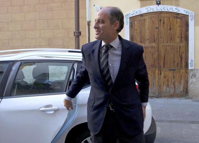 El ex president de la Generalitat, Francisco Camps, a su llegada al...