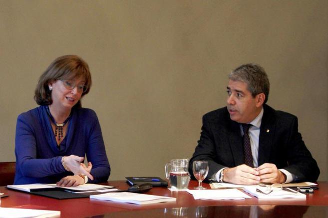 El conseller de Presidència, Francesc Homs, junto a la Ensenyament,...