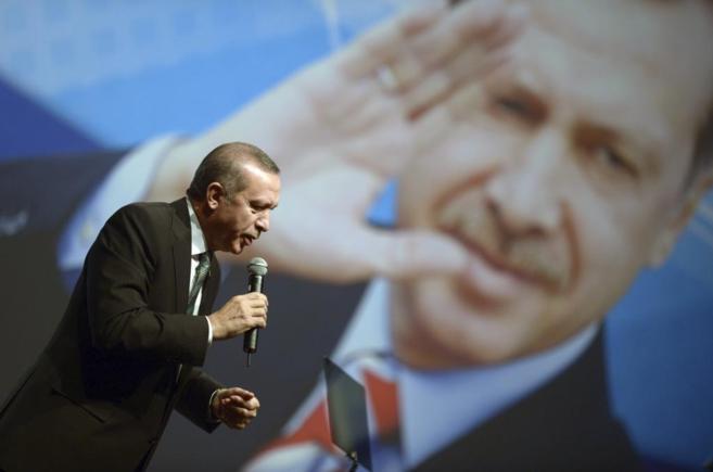 El primer ministro turco, Erdogan, ante 10.000 ciudadanos turcos en el...