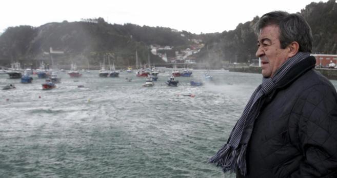 Francisco Álvarez-Cascos, el lunes durante una visita al puerto de...