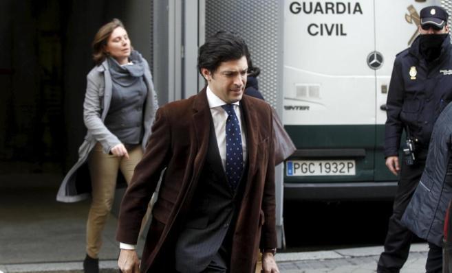 Ana Emilia Martínez, del PP de La Rioja, tras declarar ante el juez...