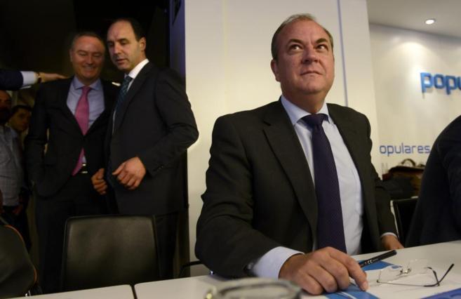 José Antonio Monago, presidente de la Junta, durante una reunión del...