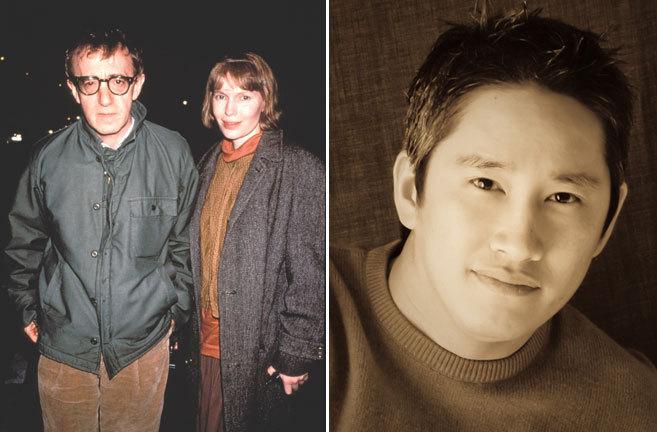 Woody Allen y Mia Farrow (i) y su hijo Moses (d).