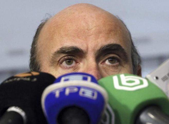 El ministro de Economía, Luis de Guindos, ayer, en Madrid.