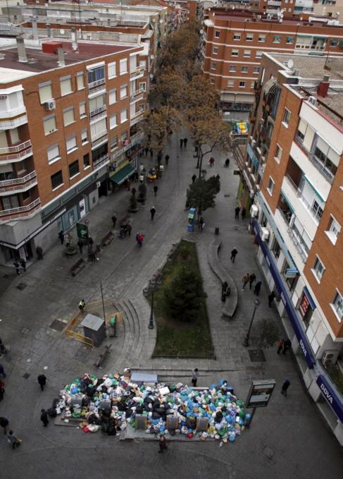 Una imagen de Alcorcón durante la huelga de Basuras.