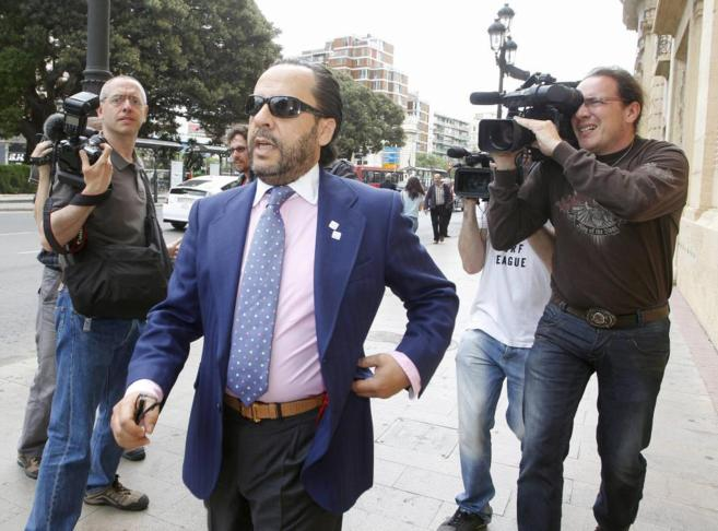 Álvaro Pérez 'El Bigotes' sale del Tribunal Superior de...