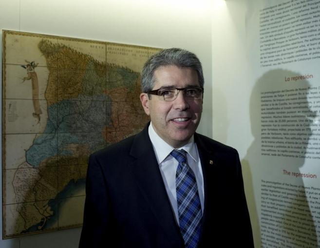 Francesc Homs, ayer, en la inauguración de la exposición...
