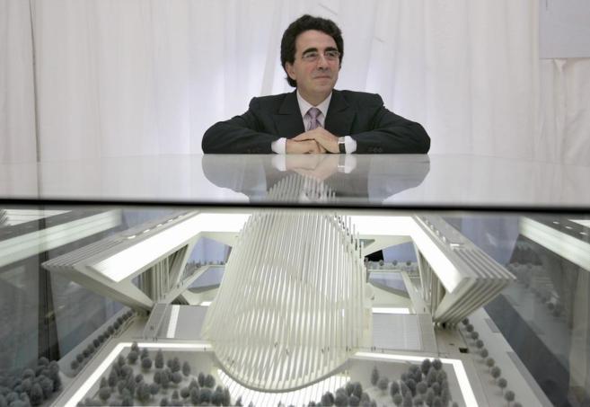 Santiago Calatrava, sobre la maqueta del Palacio de Congresos de...