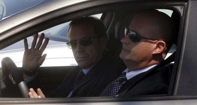 Enrique Pamies (derecha) y José María Ballesteros, a su salida de...