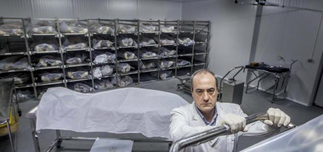 El doctor Pedro Grandes muestra las instalaciones,100% llenas, de la...