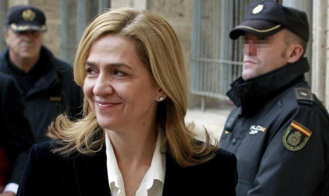 La Infanta Cristina a su llegada a los Juzgados para comparecer ante...