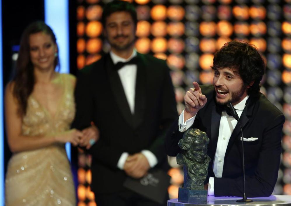 El actor Javier Pereira se ha emocionado al recoger el Goya a mejor...